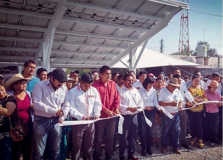 Inauguró Charrez Sistema de  agua potable por paneles solares