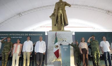 Anuncia AMLO en Minatitlán  inicio de Guardia Nacional