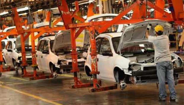 México logra histórico sexto lugar producción de autos