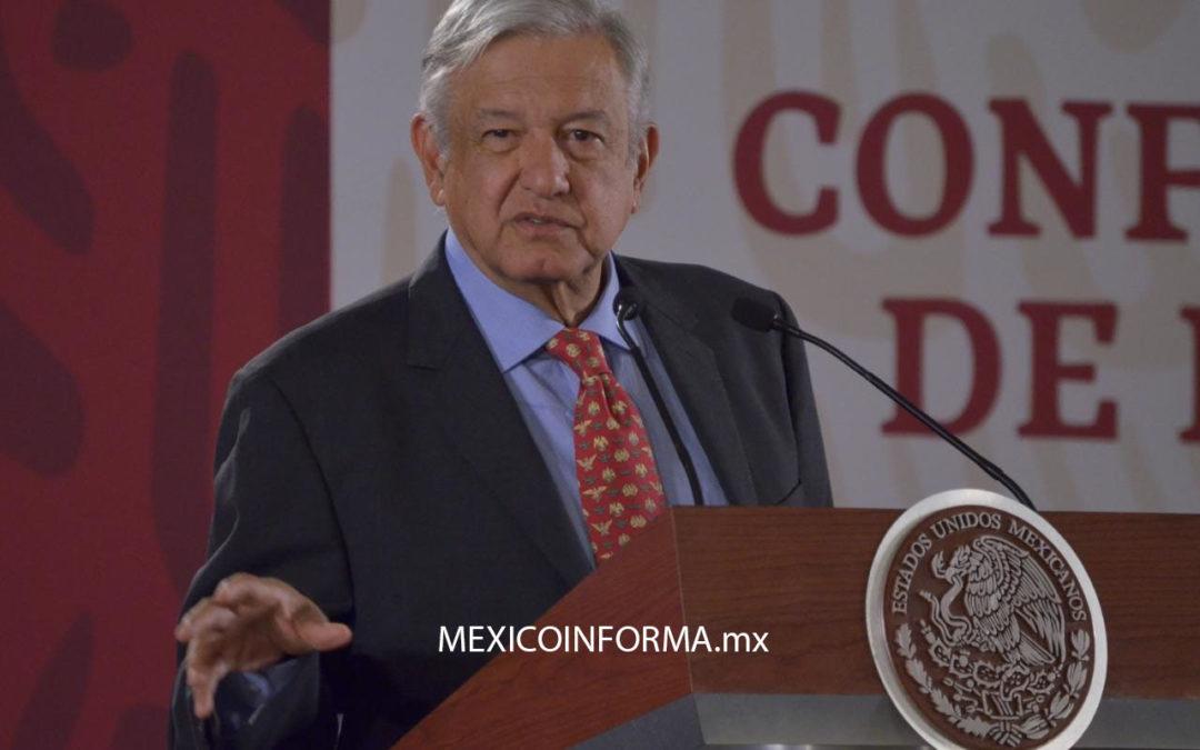 Dice López Obrador que le entusiasma llevar Internet a todo el país