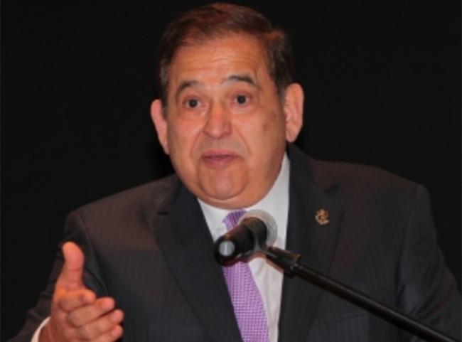 Libran orden de aprehensión contra ex director de Pemex;detienen a dueño de Altos Hornos