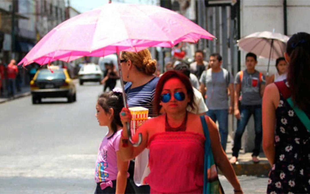 Se espera ambiente caluroso y lluvias ligeras por la tarde