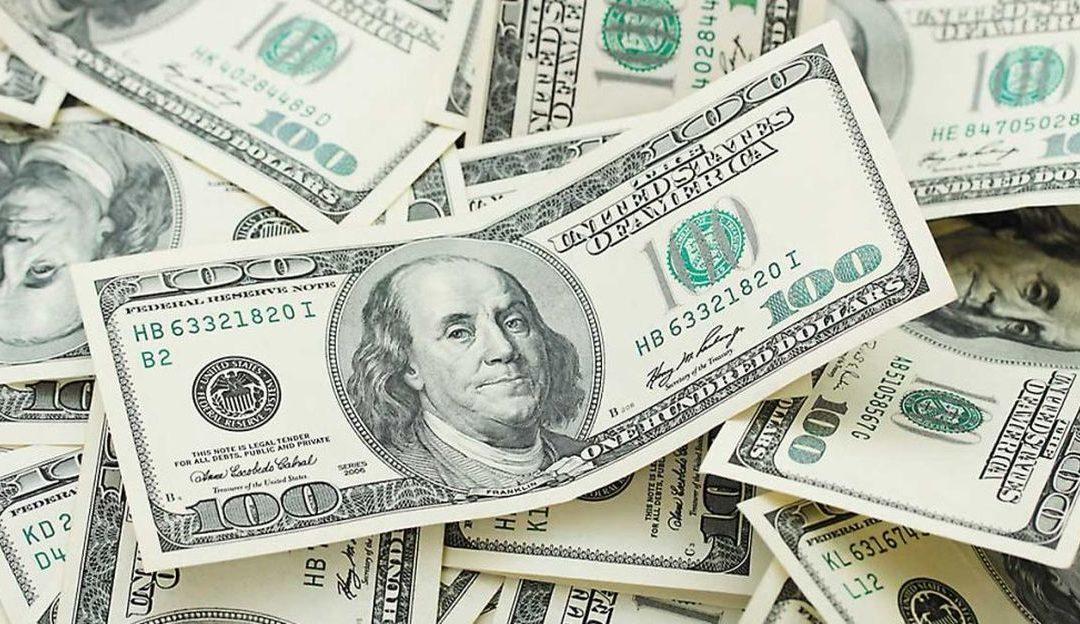 En 19.40 pesos se vende dólar en ventanillas bancarias