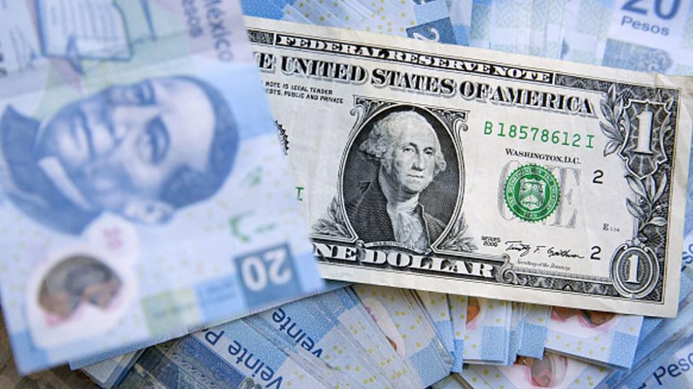 Dólar baja 31 centavos, se vende en 19.62 de pesos en bancos