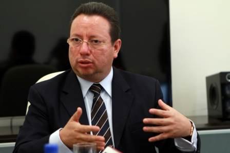 Se desliga Eukid Castañón de operar en elecciones de Puebla
