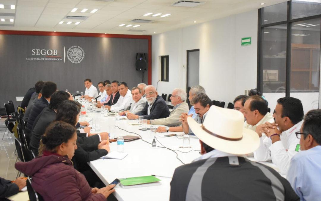 Segob, Edomex y CDMX dialogan con taxistas por caso UBER