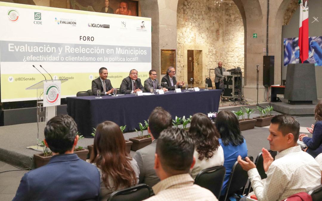Analizan reelección electoral de alcaldes y legisladores