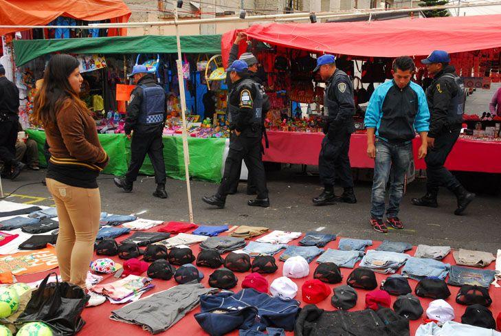 Tianguistas de Santa Cruz Meyehualco aceptan reubicación