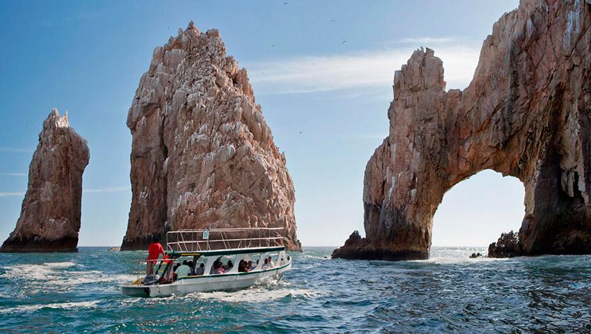 Los Cabos suspende actividad turística durante abril