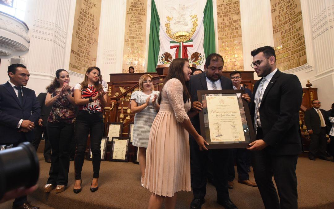 Congreso CDMX reconoció a 13 personas con el Premio de la Juventud 2019