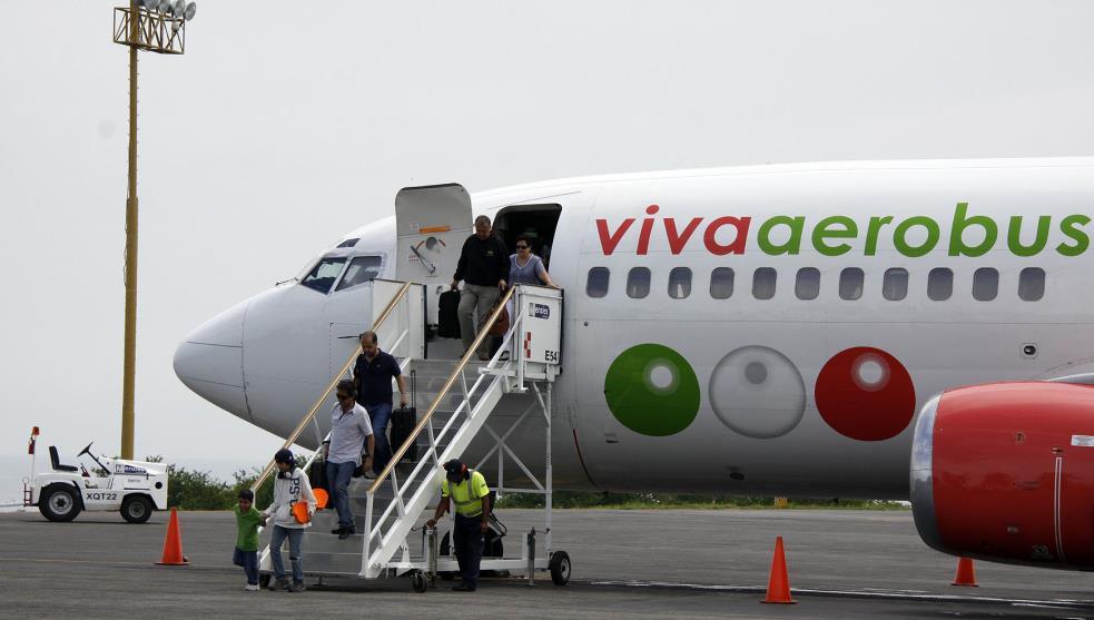 Viva Aerobús, primera en América en reanudar operaciones al 100%