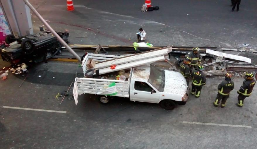 Servicios de emergencia continúan laborando por accidente en Marina Nacional y Circuito Interior