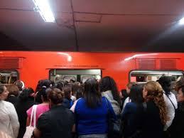 Retiran tren de L7 del metro que por fallas provocaba aglomeraciones