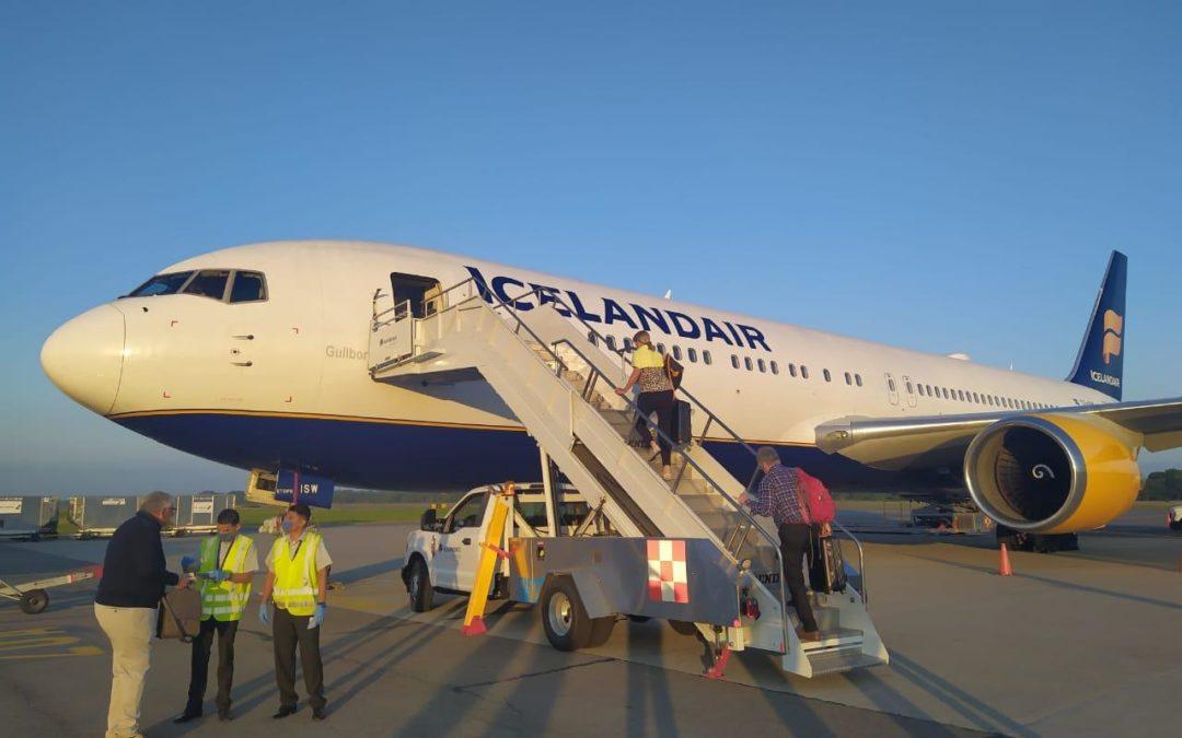 Realizan puente aéreo humanitario en Puerto Vallarta