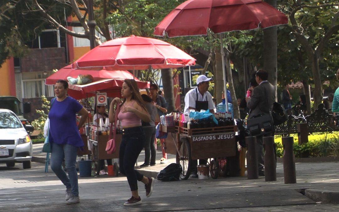 Apoyo de prestámos de 25 mil pesos a comerciantes formales e informales; AMLO