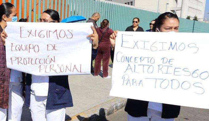 Bloquean Av. López Mateos trabajadores de Hospital Gustavo Baz por falta de insumos