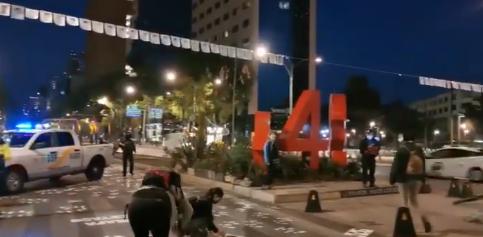 Precaución. Cerrada la circulación por manifestantes en Paseo de la Reforma y altura de Bucareli