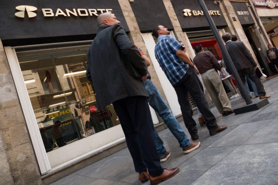 Plantean aplazar créditos bancarios sin penalización