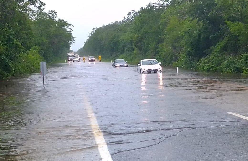Estado de alerta por fuertes lluvias en el sureste del país
