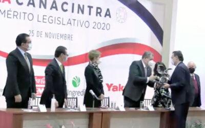 Entrega Canacintra reconocimientos a integrantes del GPPAN