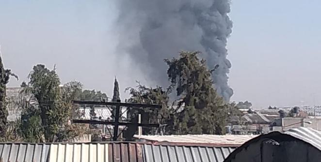 Tome precaución. Incendio en fábrica de colchones en Ecatepec