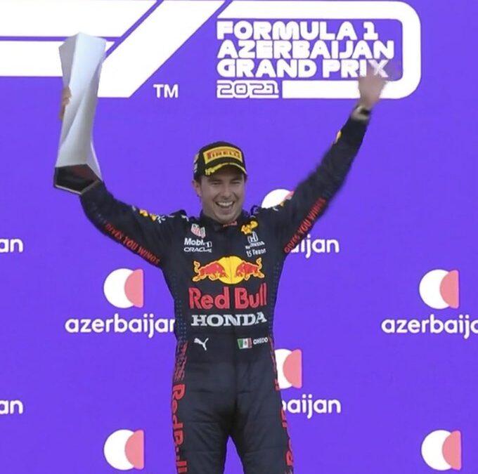 ¡Orgullo mexicano! Checo Pérez ganó en Azerbaiyán
