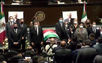 Realizan homenaje luctuoso de cuerpo presente al diputado René Juárez